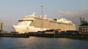 'Royal Princess' alongside the Ocean Terminal in Greenock: one big unit