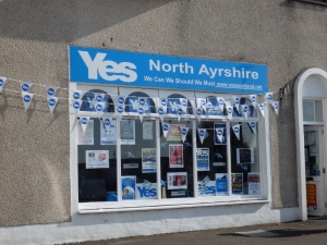 'Yes' in Largs: enthusiasm and a shortage of balloons
